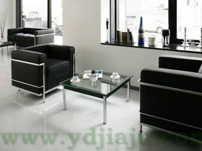 Le Corbusier LC10咖啡桌场景图片2