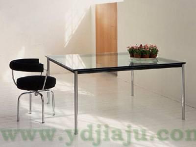 Le Corbusier LC10咖啡桌场景图片3