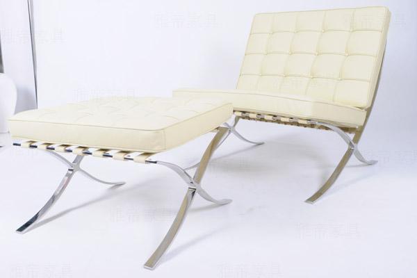 巴�?罗那椅(Barcelona Chair)\