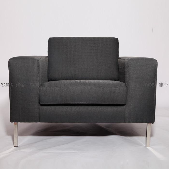 宽厚而经典的neo armchair图片