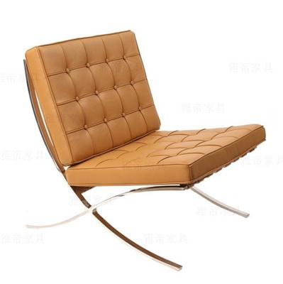 浅棕色巴塞罗那椅(Barcelona Chair in Light Brown Leather)