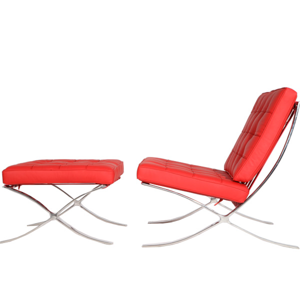 红色巴塞罗那椅(Barcelona Chair in red leather)