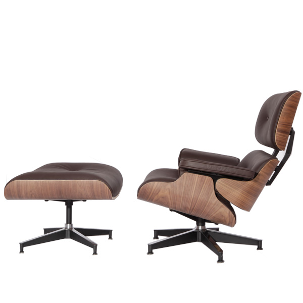 棕色伊姆斯休闲椅(Eames Lounge Chair In Brown Leather)